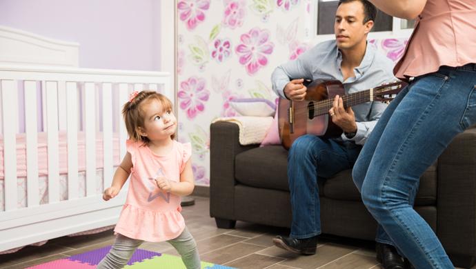 ¿Por qué dejamos de cantar para aprender? - Compartir en Familia