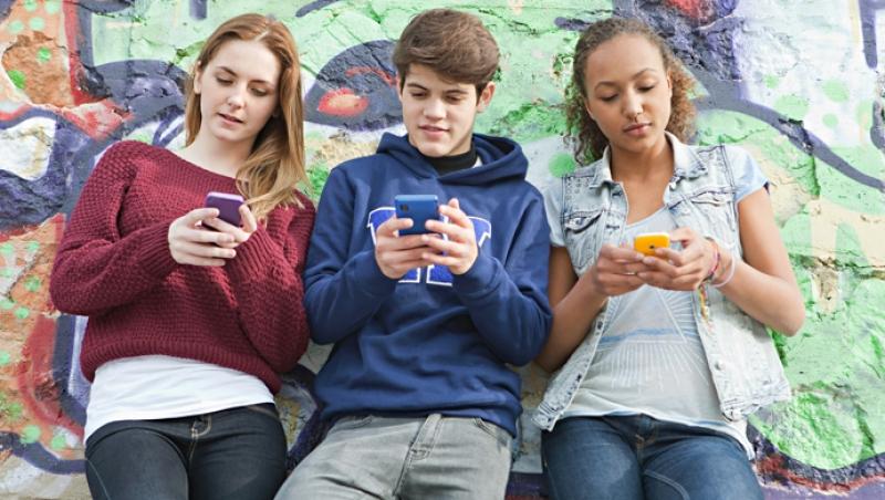 Retar en Internet: ¿Un juego peligroso? - Compartir en Familia