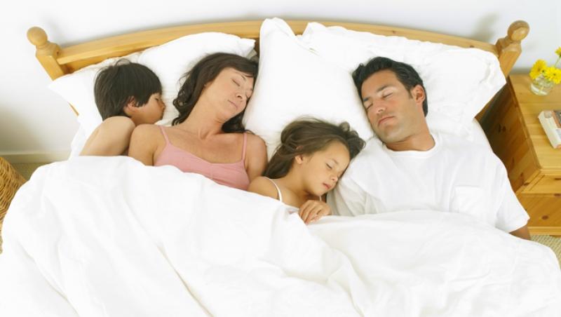 ¿Por qué los niños quieren dormir con sus padres? - Compartir en Familia