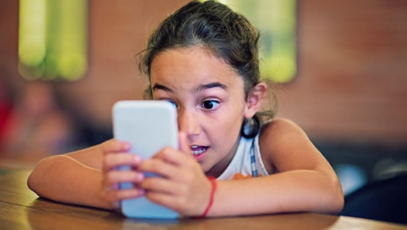 ¿Cuándo hay que comprarles un móvil? - Compartir en Familia