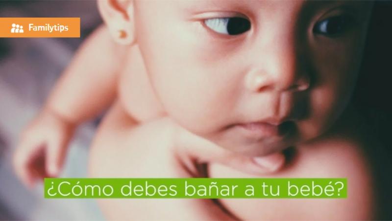¿Cómo debes bañar a tu bebé? - Compartir en Familia