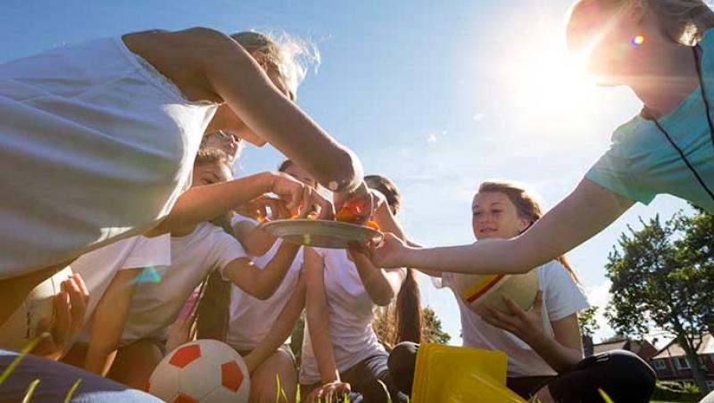 La alimentación de nuestros pequeños deportistas - Compartir en Familia