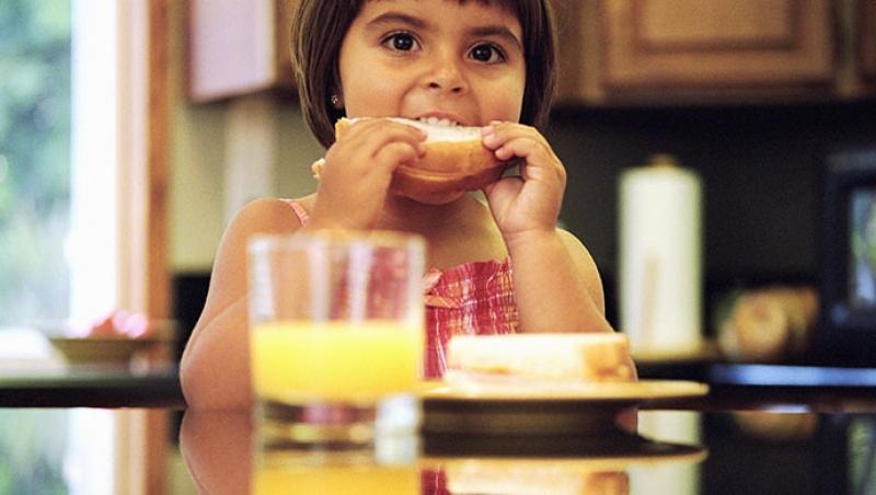 ¿Cuántas veces hay que masticar? - Compartir en Familia