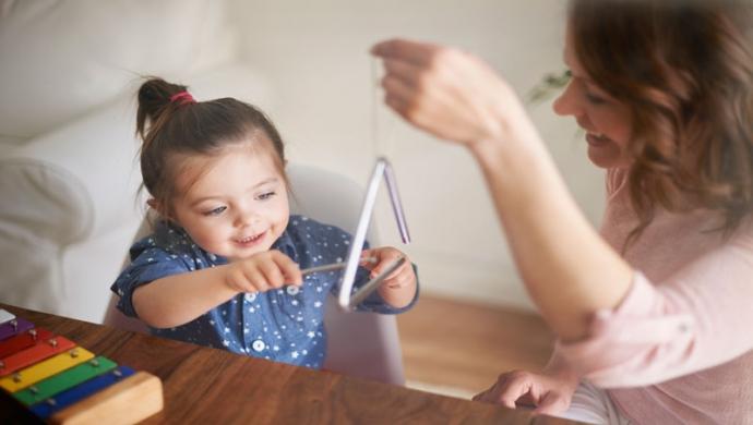 La musicoterapia, un buen recurso para ser feliz - Compartir en Familia