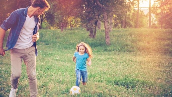 Fútbol en familia: cómo vivirlo de manera sana - Compartir en Familia