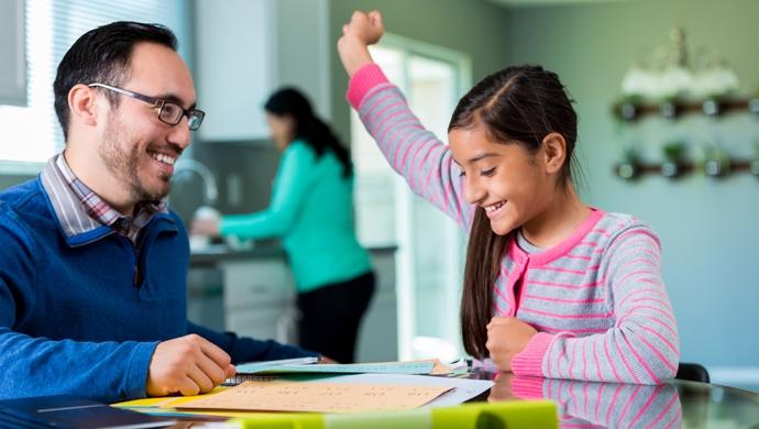 10 ideas para hacer que tu hijo estudie con alegría - Compartir en Familia