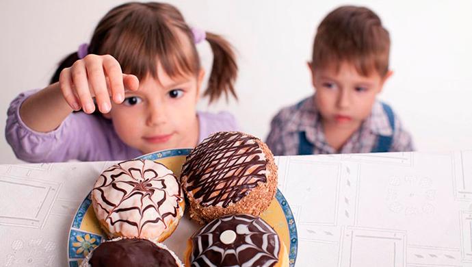 Consumo excesivo de azúcar en niños, diabetes de mayores - Compartir en Familia