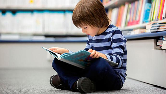 Tu hijo no necesita saber leer con 5 años - Compartir en Familia