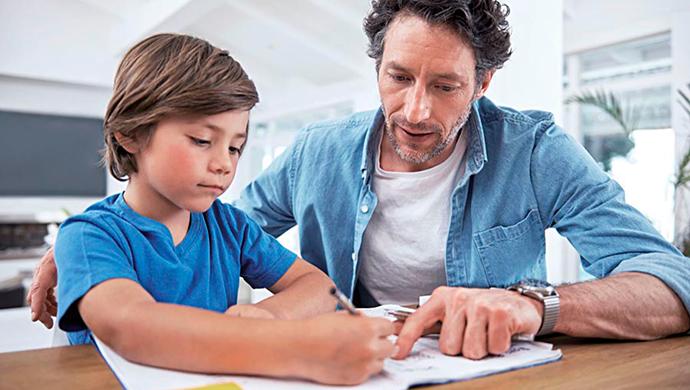 ¿Por qué no debes alabar todo lo que hace tu hijo? - Compartir en Familia