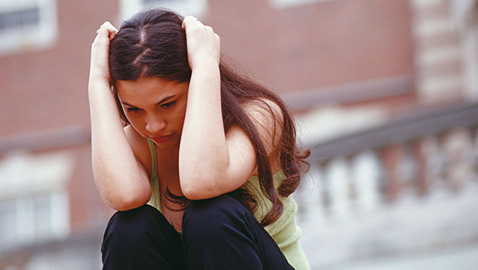 Cómo hablar de depresión con adolescentes - Compartir en Familia
