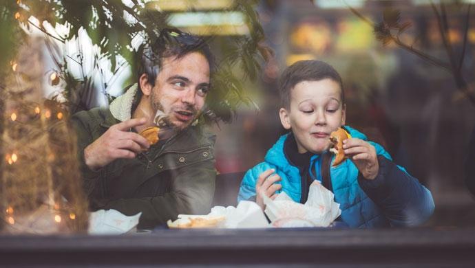 ¿Es tan perjudicial la comida rápida? - Compartir en Familia