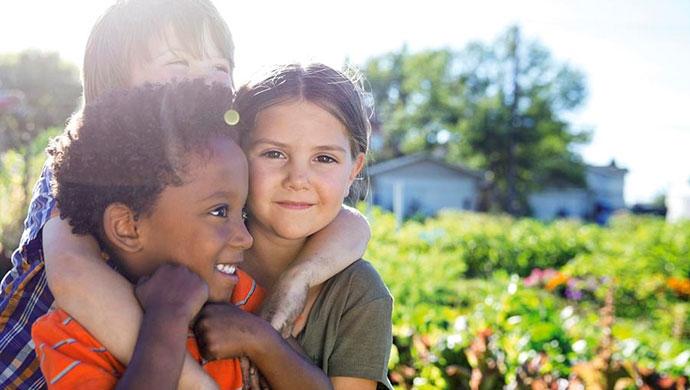 Campamentos de idiomas: Así ayudan a tu hijo - Compartir en Familia