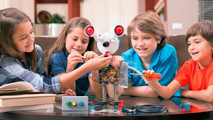 La enseñanza de la robótica en los colegios - Compartir en Familia