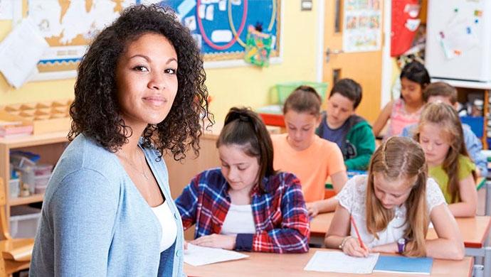 ¿Cómo hablar con los docentes? - Compartir en Familia