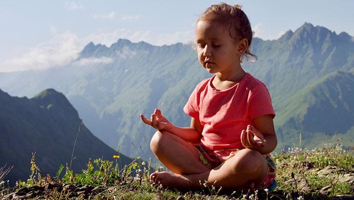 Yoga para reducir la ansiedad en los niños - Compartir en Familia