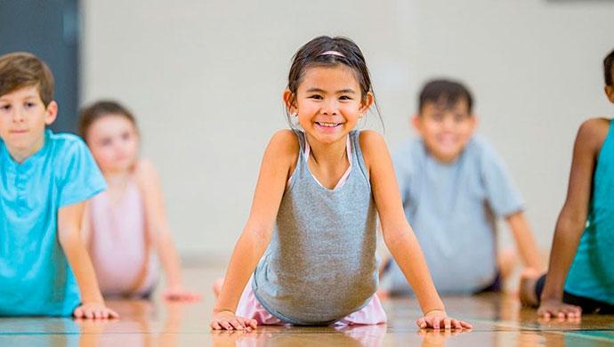 ¿Deben ir los niños al fisioterapeuta? - Compartir en Familia