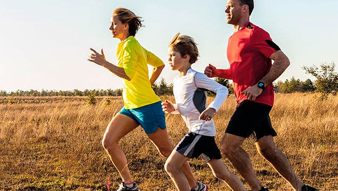 Competir al aire libre: no siempre hay que dejar ganar a tus hijos - Compartir en Familia