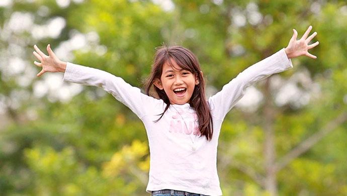 ¡Sal de casa! Beneficios de jugar al aire libre - Compartir en Familia