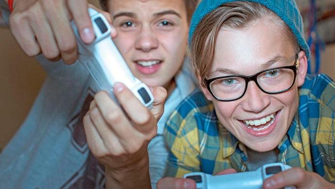 Adictos a los videojuegos - Compartir en Familia