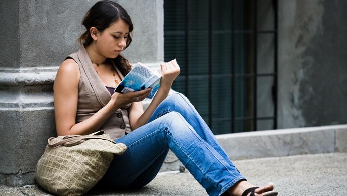 Consejos para que un adolescente se vuelva loco por la lectura - Compartir en Familia