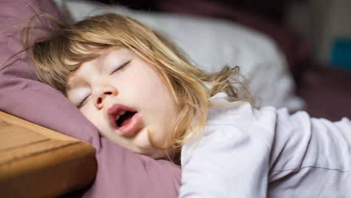 ¿Es malo que un niño duerma mucho? - Compartir en Familia
