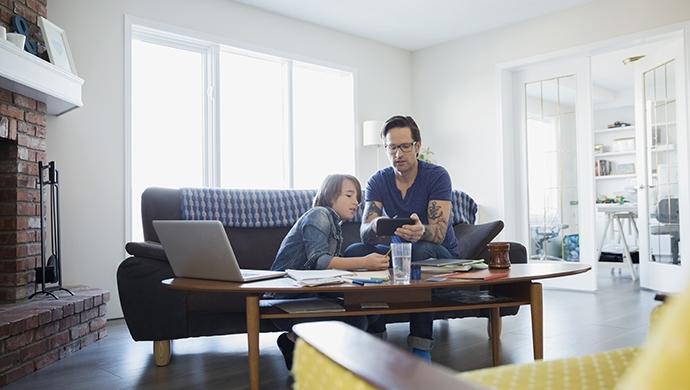 La seguridad total en Internet no existe, depende de la formación - Compartir en Familia