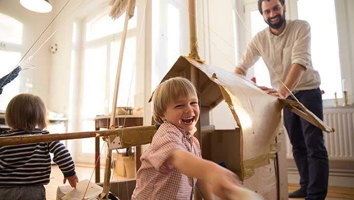 ¿Cómo hacer que mi hijo desarrolle el pensamiento creativo? - Compartir en Familia
