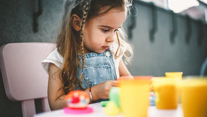 10 beneficios de la plastilina  - Compartir en Familia