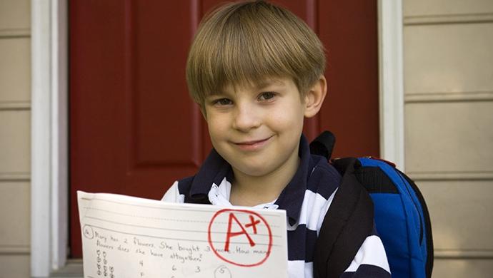 Premiar o no por las buenas notas - Compartir en Familia