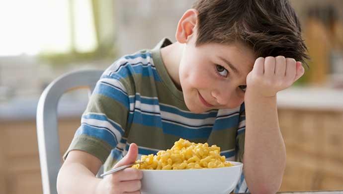 Refuerzo alimentario para niños y niñas muy deportistas - Compartir en Familia