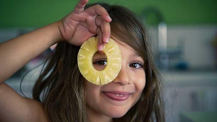 ¿Cuánta fruta y verdura hay que comer al día? - Compartir en Familia