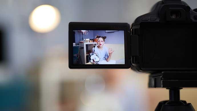 ¿Qué es ser youtuber y por qué mi hijo quiere serlo? - Compartir en Familia