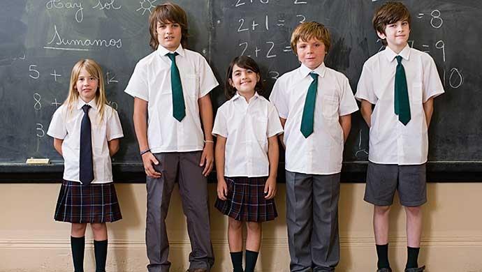 ¿Qué tiene de bueno (o malo) el uso de uniformes en el colegio? - Compartir en Familia
