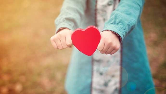 La importancia de educar la afectividad y los sentimientos - Compartir en Familia