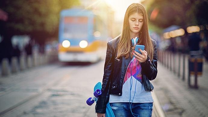 STOP Bullying: Instagram trabaja para dar soporte a los adolescentes - Compartir en Familia