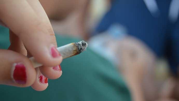 Trabajar la autoestima, evitar las drogas - Compartir en Familia