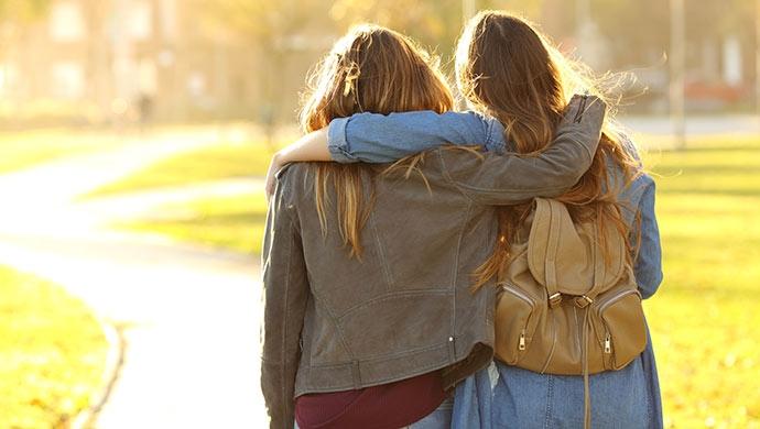 6 pautas para fomentar la solidaridad en tus hijos - Compartir en Familia